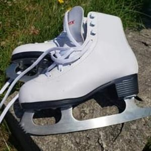 Other - Girls skates